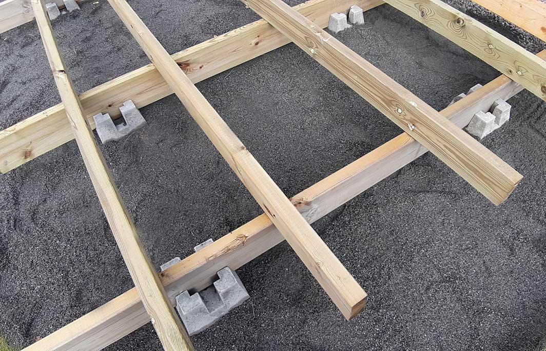 Terassin rungon rakentaminen